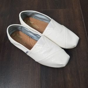 BRAND NEW Toms Loafers